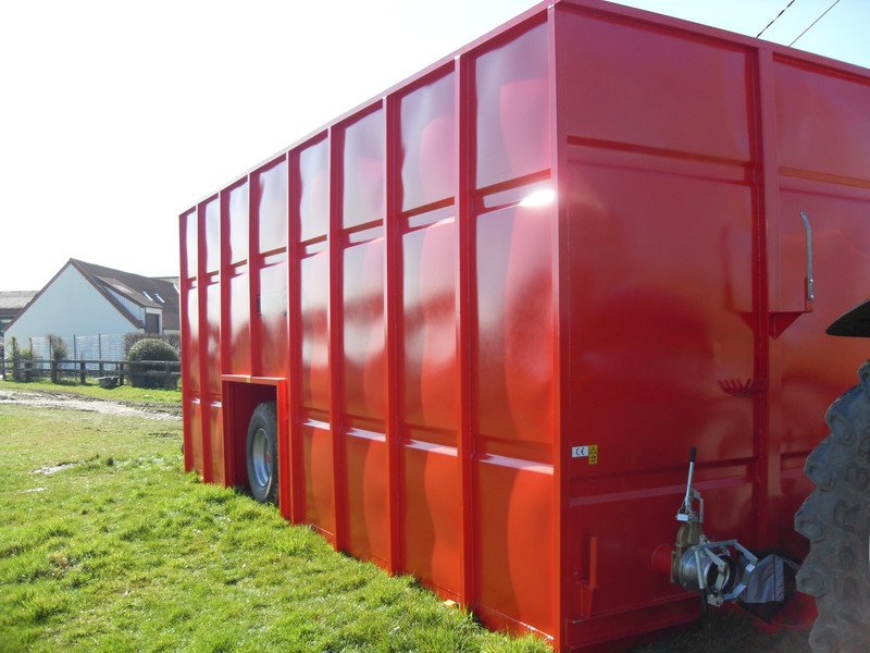 Liquid manure container